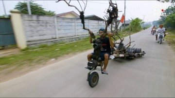 indonesia-s-tricked-out-vespas.jpg?itok=